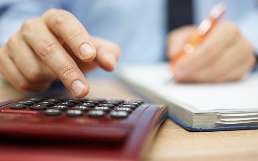¿Qué debe contener una factura proforma?
